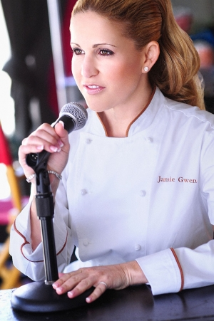 Dear Friend and host of Food & Wine with Chef Jamie Gwen will join Jon and Talkin' Pets 11/21/20 at 630pm ET to discuss Turkey and non-Turkey dinners