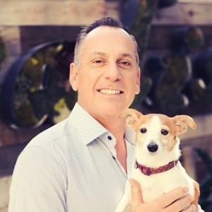 National Football League Referee, John Hussey, founder & CEO of Cuddly, will join Jon & Talkin' Pets 8/08/20 at 621pm ET to discuss is animal organization