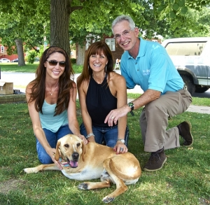 Film, Television and Friend of Talkin' Pets actress Shannon Elizabeth will join Jon and Talkin' Pets 7/11/15 at 5 PM EST to discuss her latest movie, Marshall's Miracle about a 3 legged scar faced rescue dog